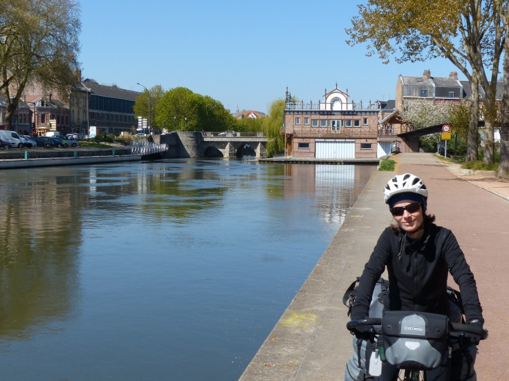 Leaving Amiens on a canal path! Ripper!