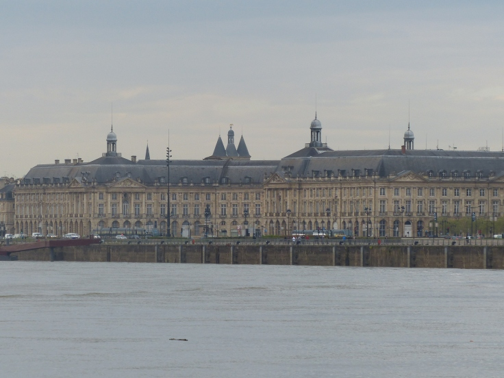A grey morning in Bordeaux for our ride to the station