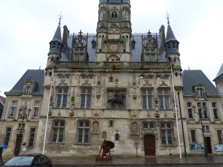 We saw some beautiful buildings like this one, the Hotel de Ville