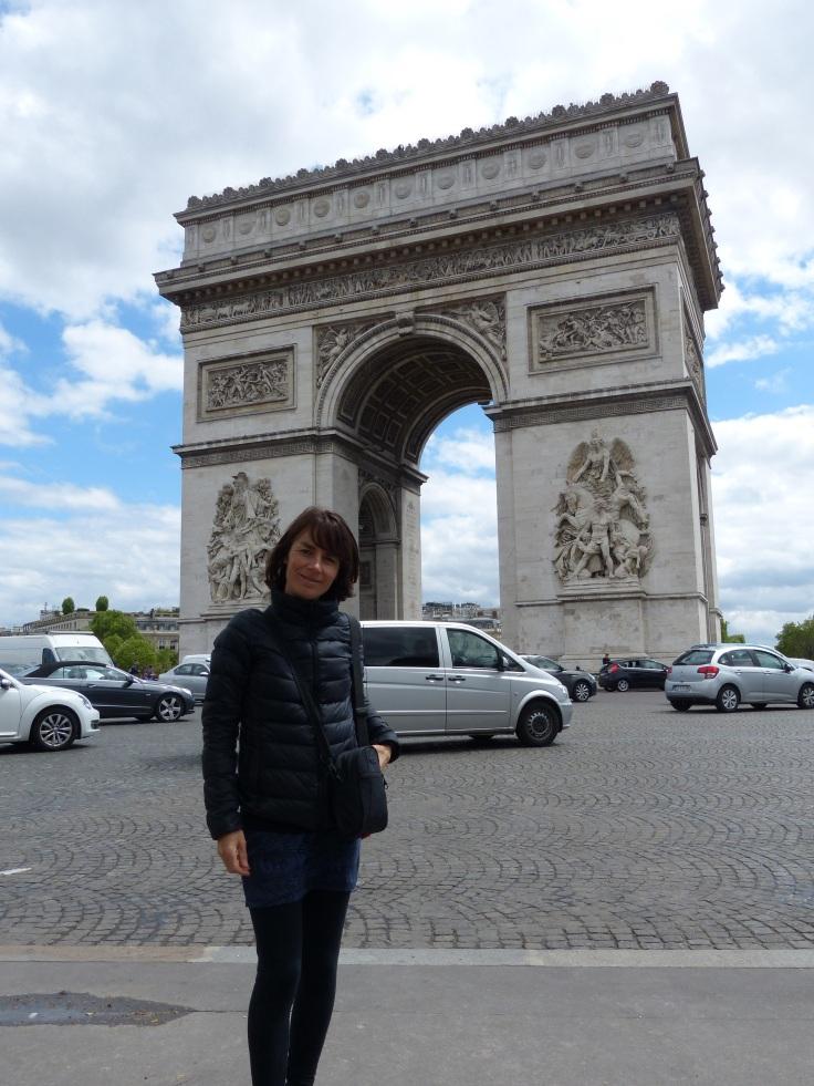 We're at the Arc de Triomphe!