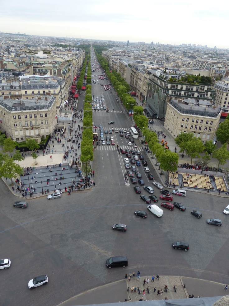 Looking down to the street from the top of the Arc