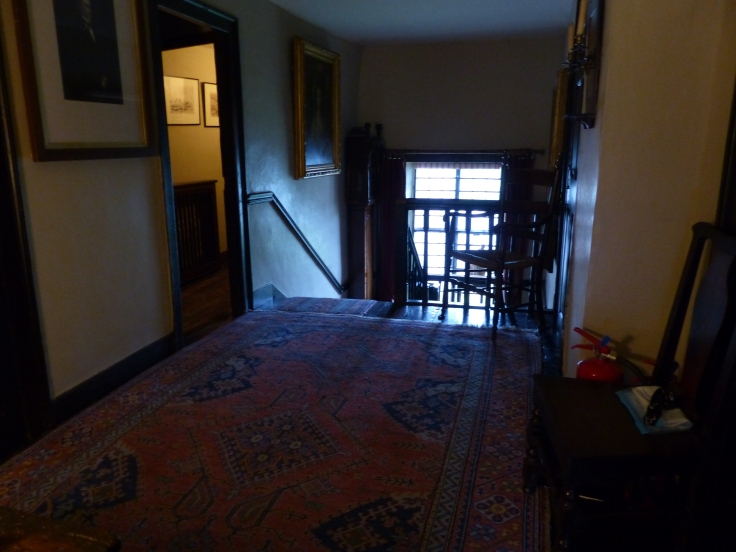 The landing, carpets and all, look exactly the same as the illustration in The Tale of Samuel Whiskers