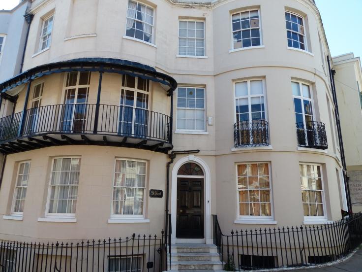 Foyle's house