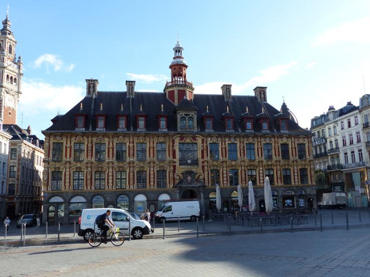 Riding through Lille