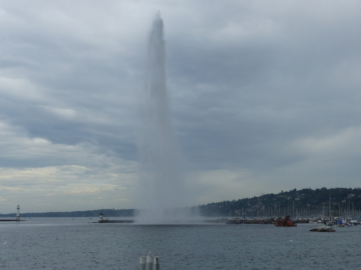 The highest water jet in the world on Lake Geneva