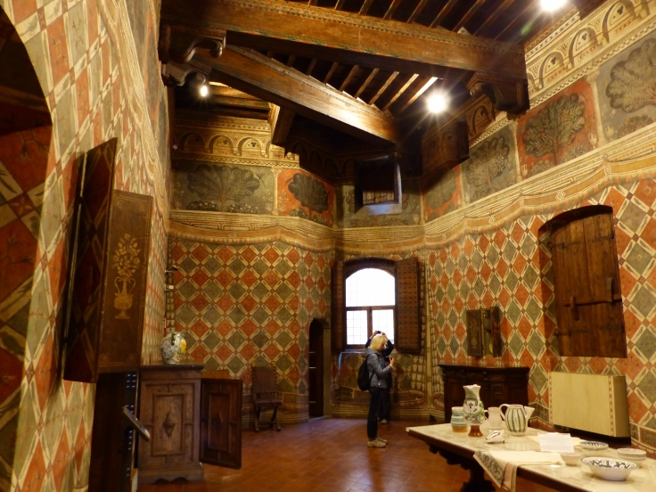 The Parrot Room, named for the parrots in the decorative painted walls