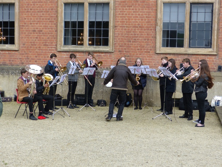 We even had a band playing carols. I had to feel festive!