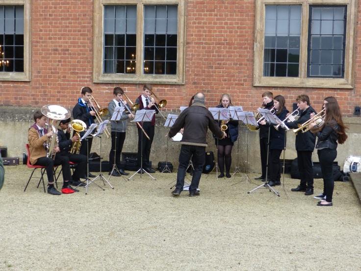 We even had a band playing carols. I had to feel festive!