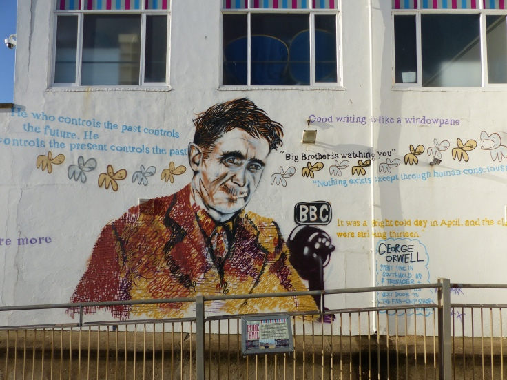 We see a lot of plaques on buildings telling of the famous people who have stayed there. Southwold went one better and instead of the plaque, they went for the full wall mural! They must be proud!