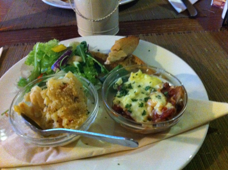 Our lovely little taster plates of mac 'n cheese and lasagne. Tasty!